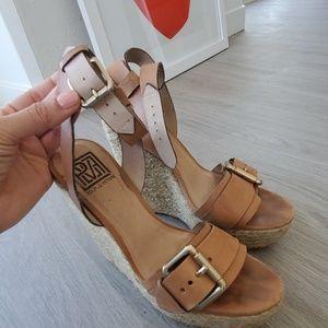 Pour la Victoire espadrille wedge sandal